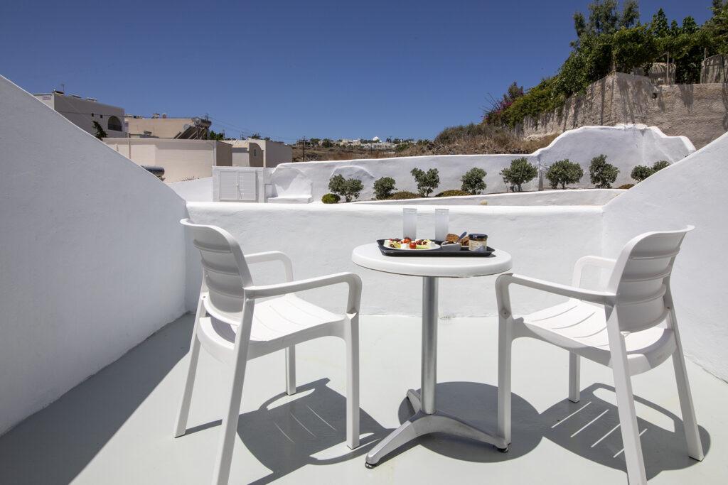 Rooms_EvasHouse_Fira_Santorini